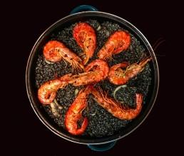 Arroz negro - Schwarze Paella mit Garnelen