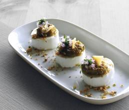 BioGourmet Rezept Ziegenfrischkäse-Taler mit Spargelcreme und Parmesansplitter