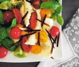 BioGourmet Rezept Original Caprese Salat mit Aceto-Balsamico-Raspeln