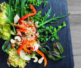 BioGourmet Rezept Buchweizen-Bulgur-Salat mit Cashewnüssen und Paprika