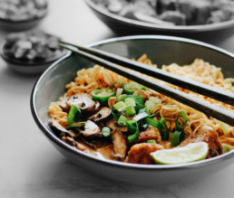 BioGourmet Rezept Vegane Erdnuss-Ramen-Suppe mit Knusper-Tofu
