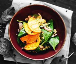 Veganer Kürbissalat mit Spinat und Hirse BioGourmet Rezept