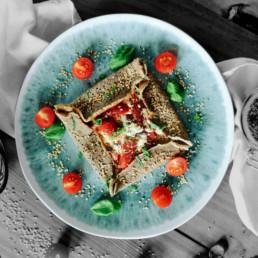 Vegetarische Tomaten-Galette mit Frischkäse und Basilikum BioGourmet Rezept